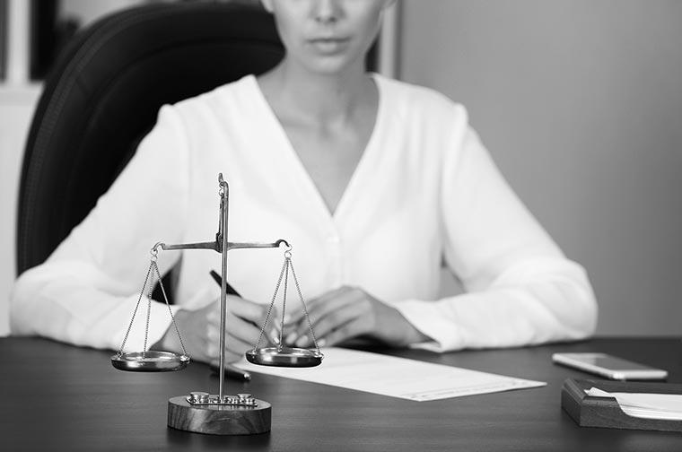 Hukuki Danışmanlık Nedir? Avukat Danışma Ücreti Nedir?